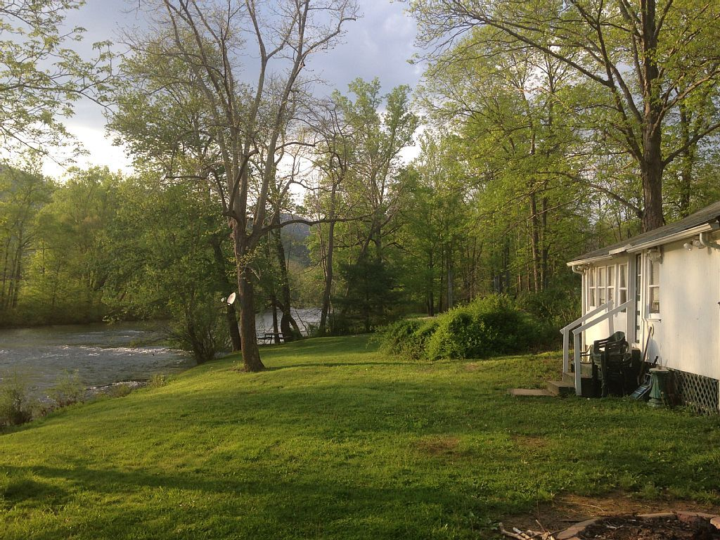 570aac0a323b90b4c368654f9935055c - Rock Creek Gardens Condos For Rent