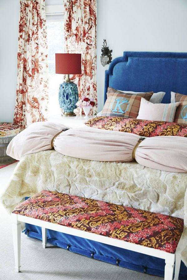 one room inspiration bold in the bedroom decorate pinterest rh pinterest com