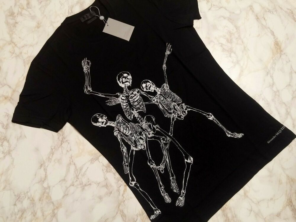 Alexander McQueen T-Shirts mens with a contemporary design model 2019