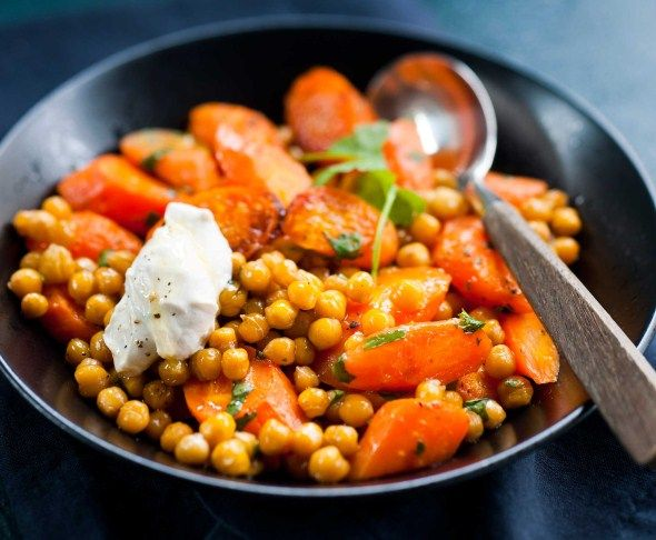 Salad recipies: carrot and chickpea salad/porkkana-kikhernesalaatti