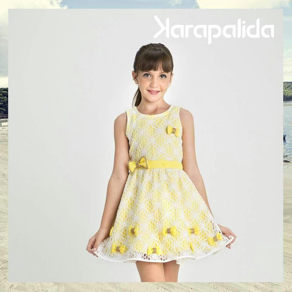 Romantismo e delicadeza no dress de verão da Karapalida. Muito amor pelo tom candy, os laços fofos e a renda, super feminina!   #karapalida #verão2016 #dress #cute #amarelo