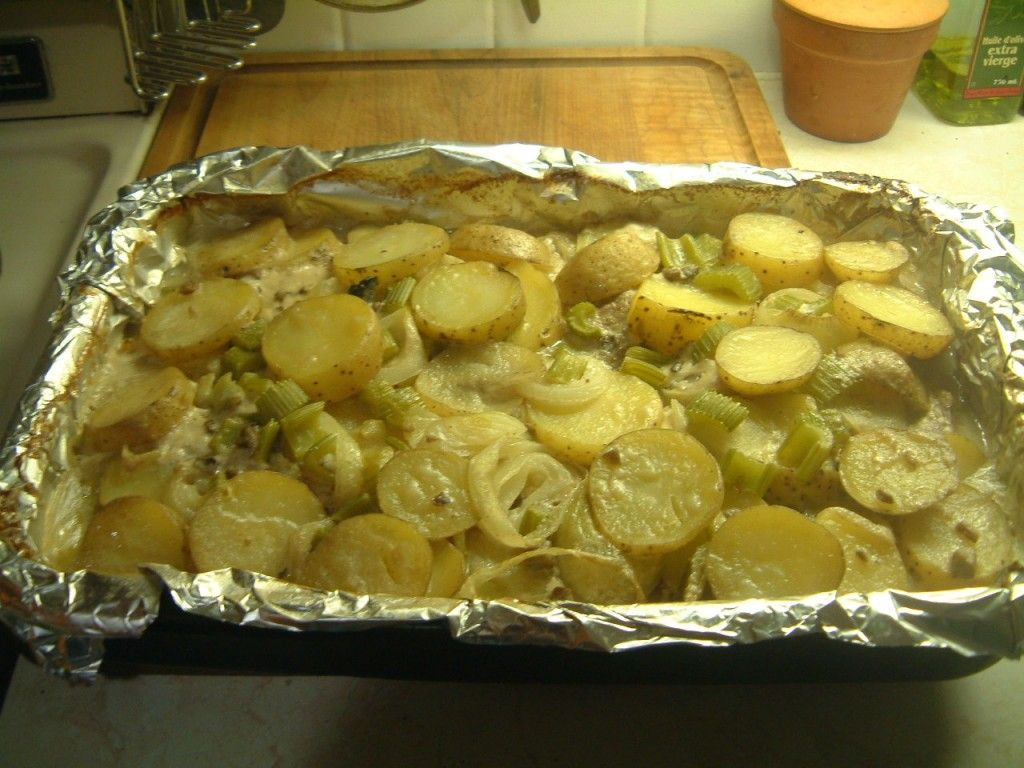 Pork Chops Baked With Cream Of Mushroom Soup Recipe Baked Pork Chops Pork Recipes Pork Chop