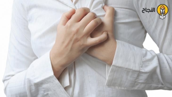 علامات قد تشير إلى الإصابة بجلطة دموية Holding Hands Hands