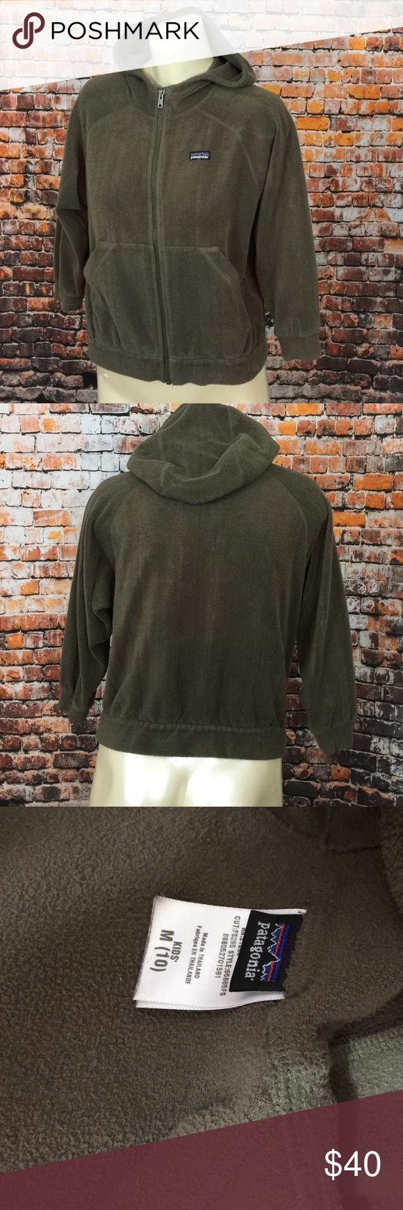 Patagonia jacket Patagonia fleece zip up. Kids size medium. Hunter green. Unisex Patagonia Jackets & Coats