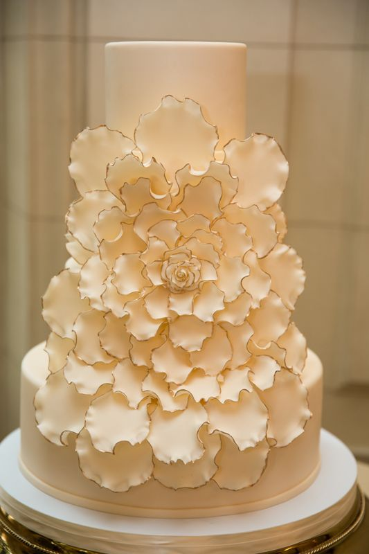 Elegant gold-tipped cake by Fluffy Thoughts, photo by Jan Michele Photo DC // Atrendy Wedding