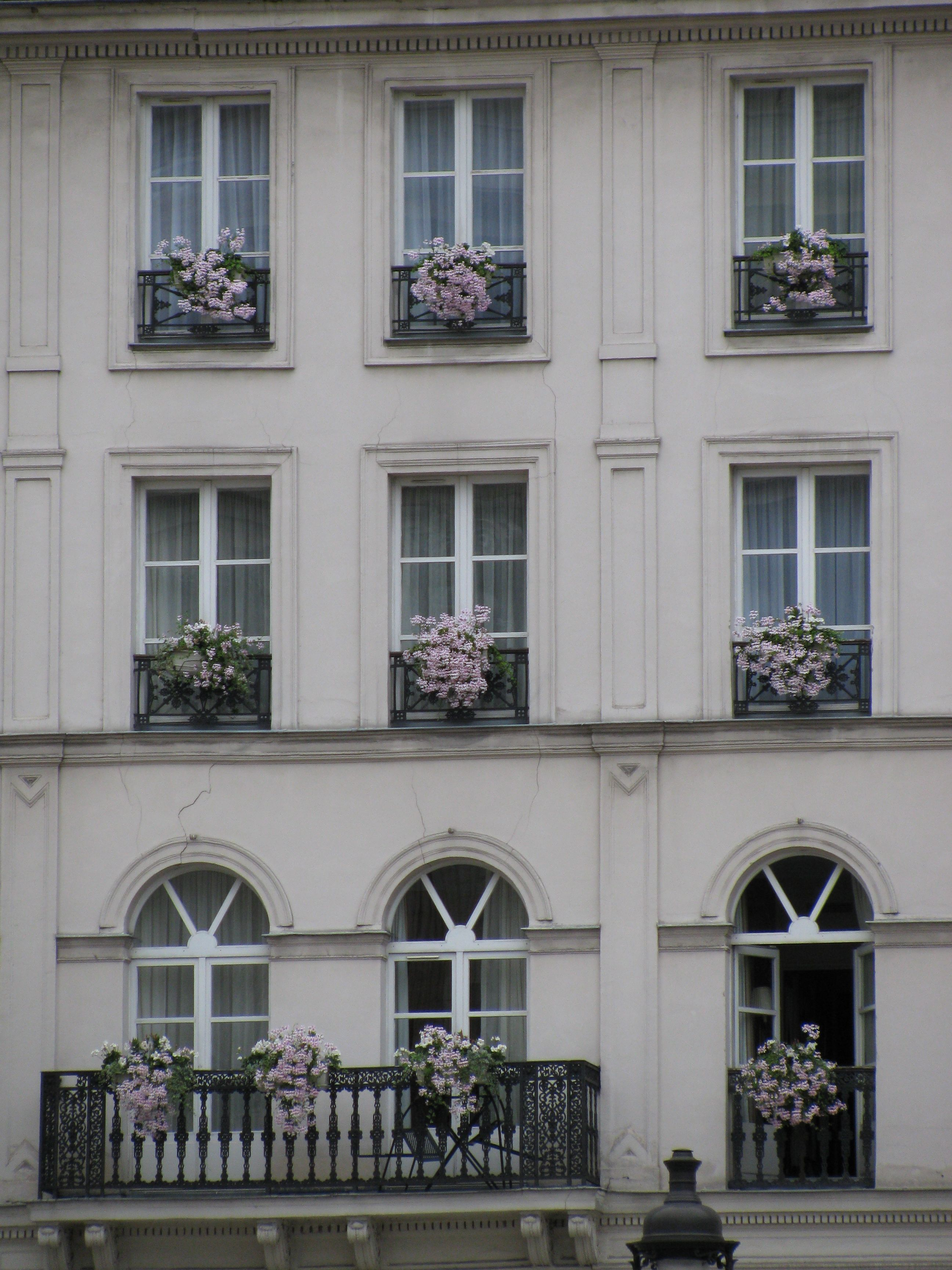Saw this apartment building in Paris and fell in love