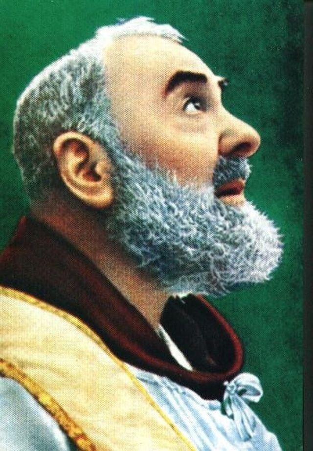 Encuentra guía y sabiduría en las sabias frases del Padre Pío: El Padre Pío