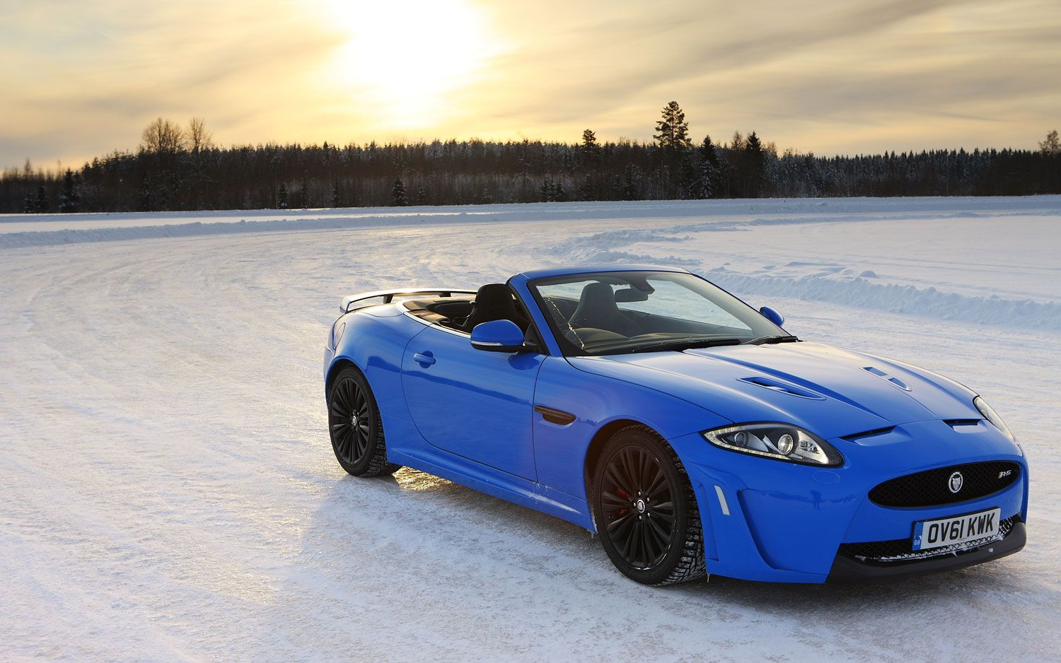 Video Find Drifting A Jaguar Xkr S On A Frozen Lake And Jaguar