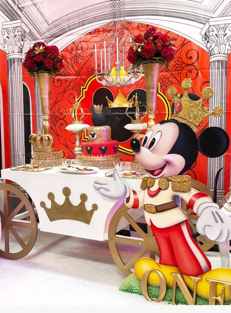 Don't miss this fantastic Mickey Mouse Royal King Birthday