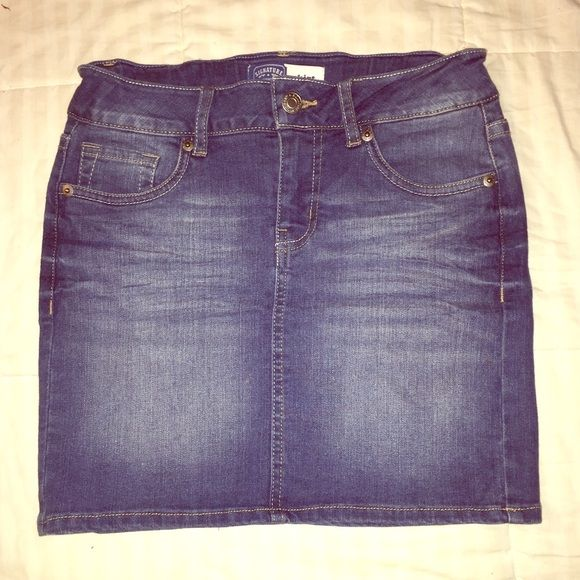 Small Jean Skirt | D, Levis and Size 12
