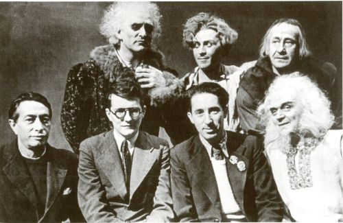 "Creators and performers of the play ""King Lear"". Sitting: Natan Altman, Shostakovich, Grigory Kozintsev, Vassili Sofronov (Lear); standing: Gennadi Michurin (Glouster), Georgi Samoilov (Edgar), and Alexander Larikov (Kent). 1940/41. Credit: Dmitri Shostakovich: Pages of His Life in Photographs"