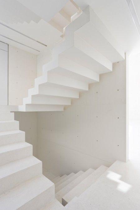 Beautiful staircase at 103 - Estudio Explanada