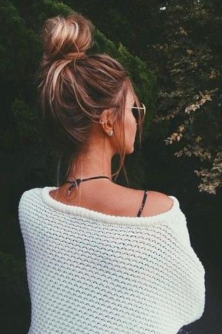 Revolve Clothing Daydreamer Love Crop Tee Hair Styles Long Hair Styles Messy Bun Hairstyles