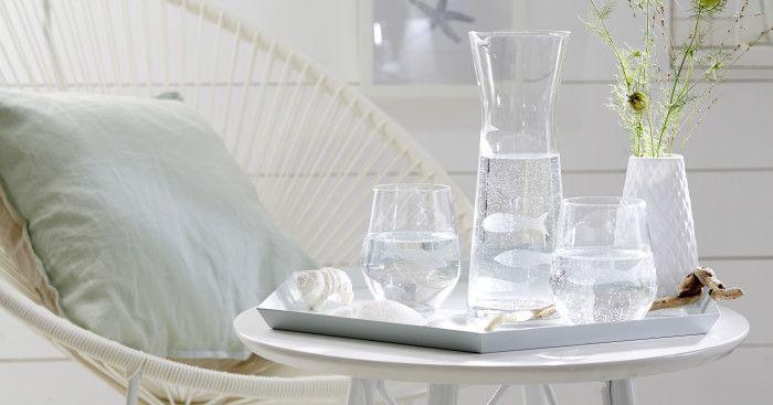 gl ser und karaffe dekorieren wer braucht ein aquarium wenn fische auf gl sern und karaffe. Black Bedroom Furniture Sets. Home Design Ideas