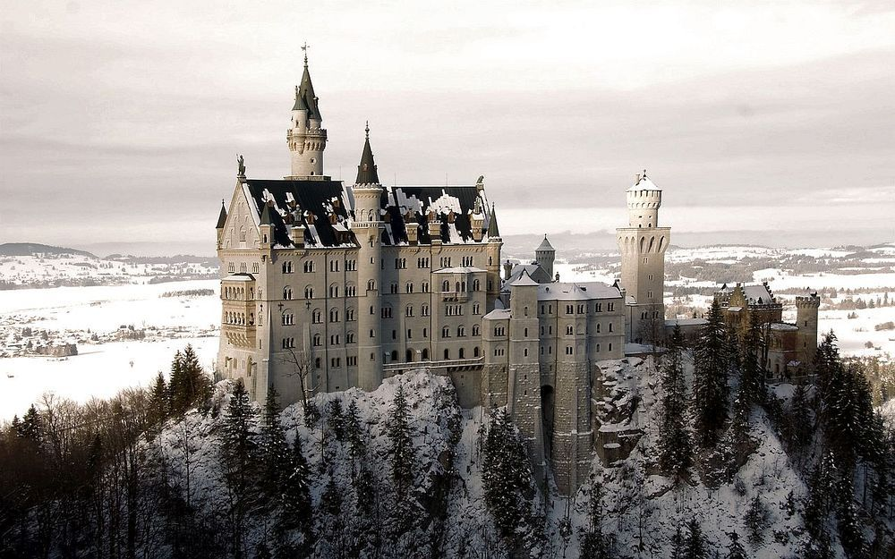 10 Most Beautiful Places To Visit In Germany Germany Castles Neuschwanstein Castle Beautiful Castles