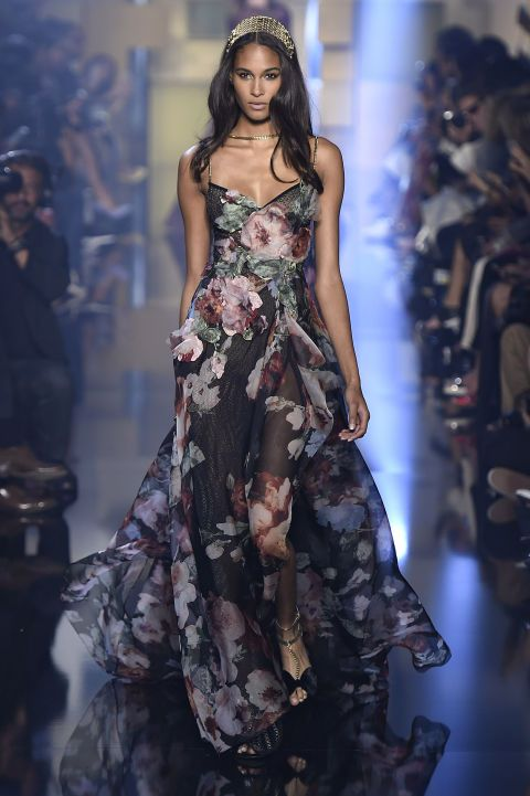 The best gowns from paris couture week elie saab fall for Couture vs haute couture