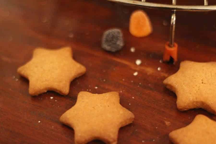 Petits sablés de Noël au Thermomix » Recette Thermomix #sabledenoel