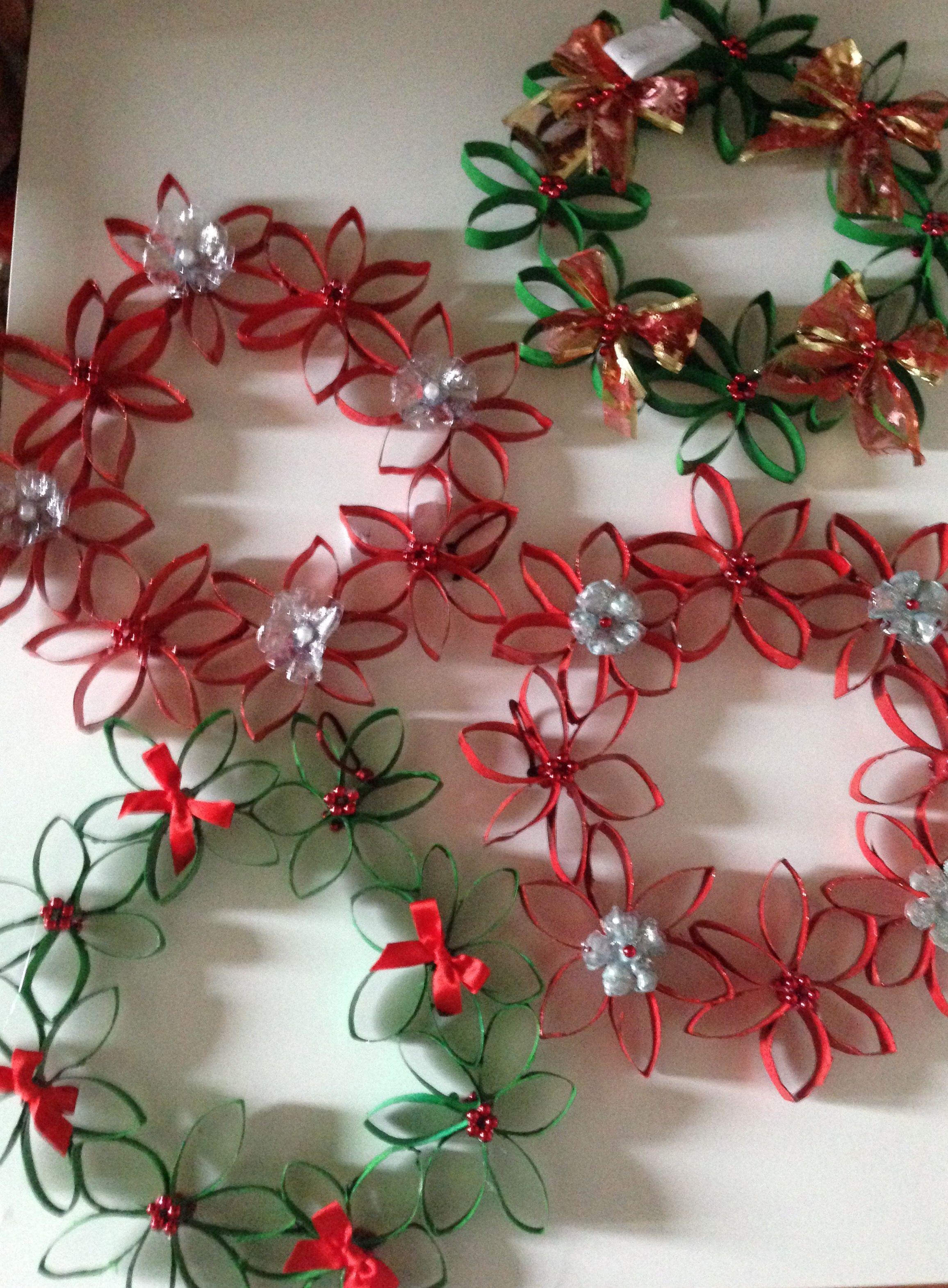 Lavoretti Di Natale Arte Per Te.Ghirlande Di Natale Con Rotoli Di Carta Igienica E Fondi