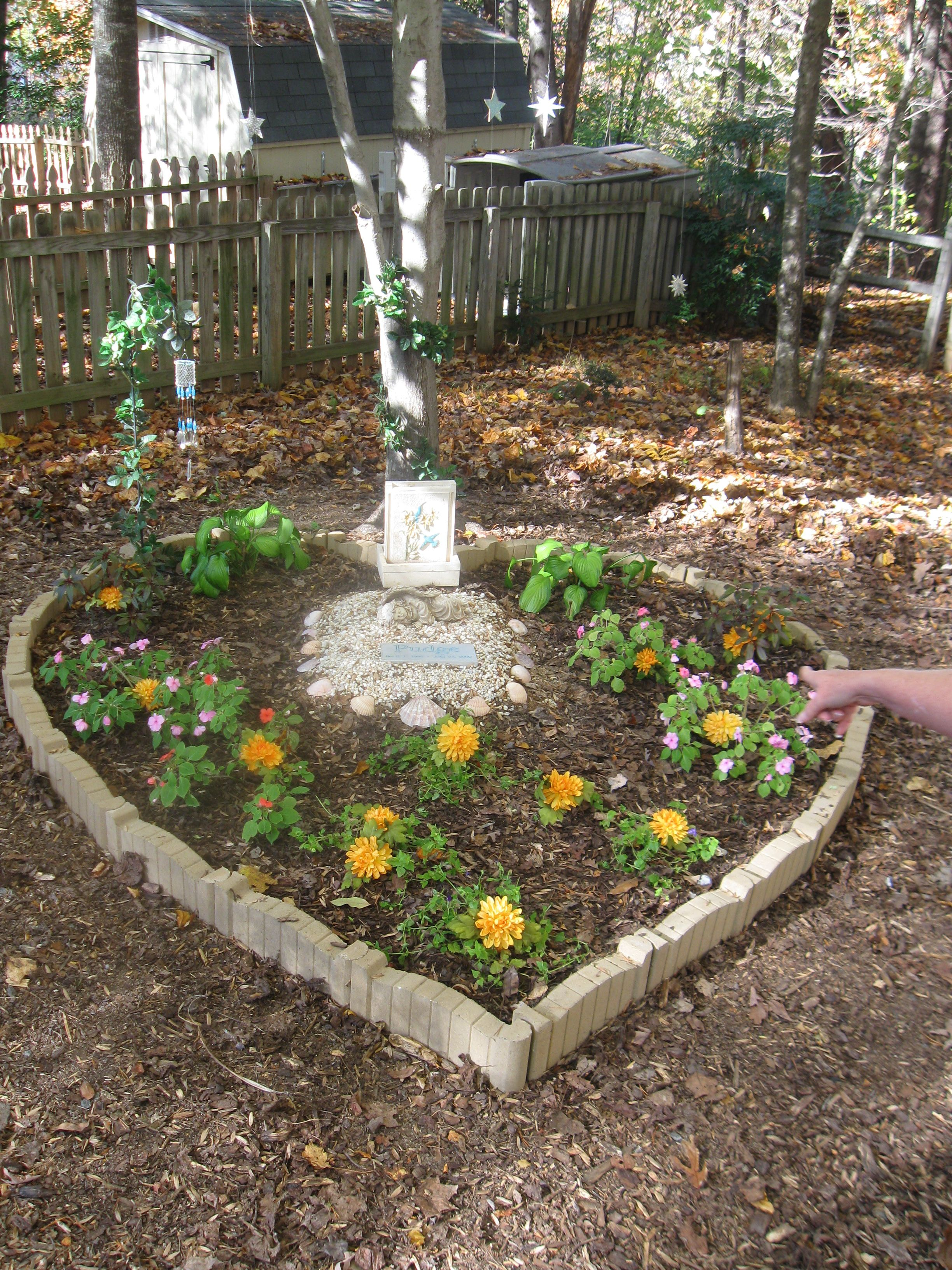 memory gardens - Google Search | For the Home | Pinterest | Gardens ...