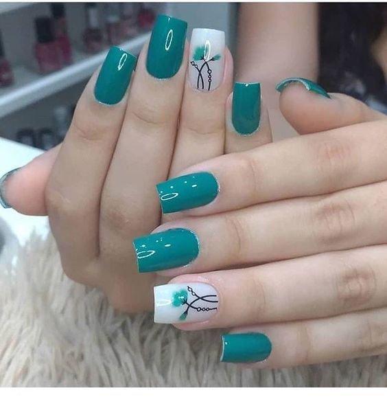 nice green nails with flowers