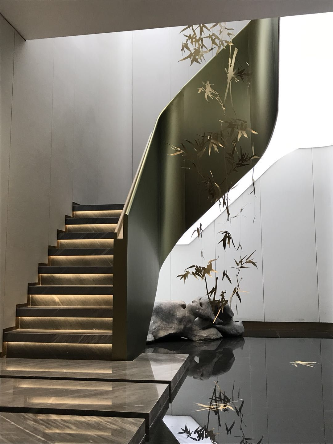 Pin By Hu Bb On S Stair Ramp Modern Staircase Interior