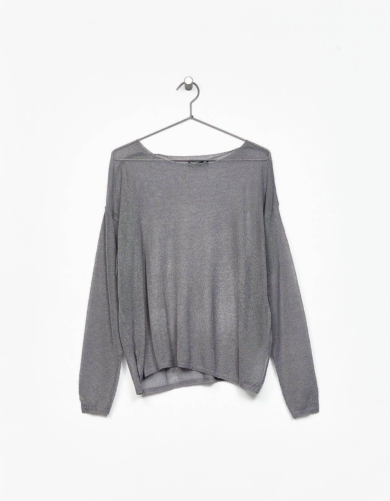 Jersey oversize transparencias. Descubre ésta y muchas otras prendas en Bershka con nuevos productos cada semana