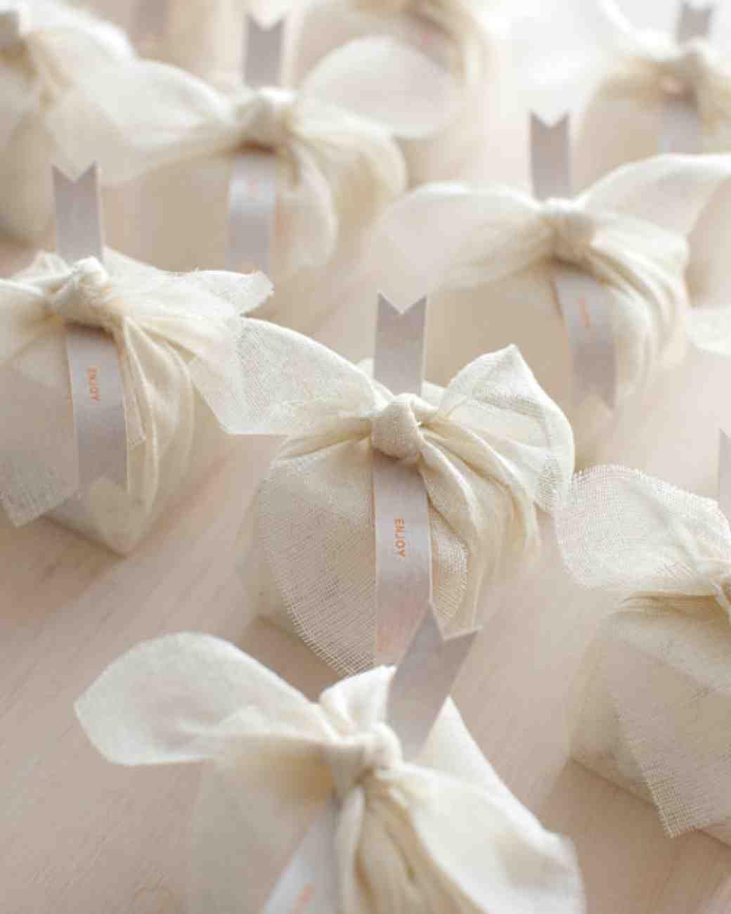 A Twist on Dragee Wedding Favors | Bridal Inspiration | Pinterest ...