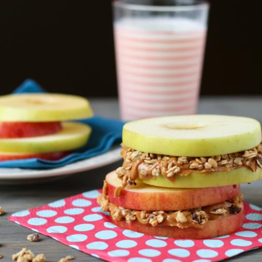 Recetas de desayunos rápidos que puedes hacer en menos de 10 minutos y que te llenarán de energía para comenzar tu día.