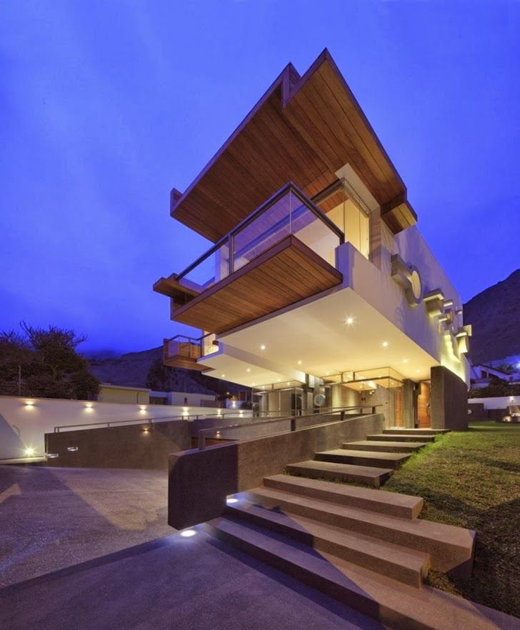 Unusual Extreme Modern House By Longhi Architects
