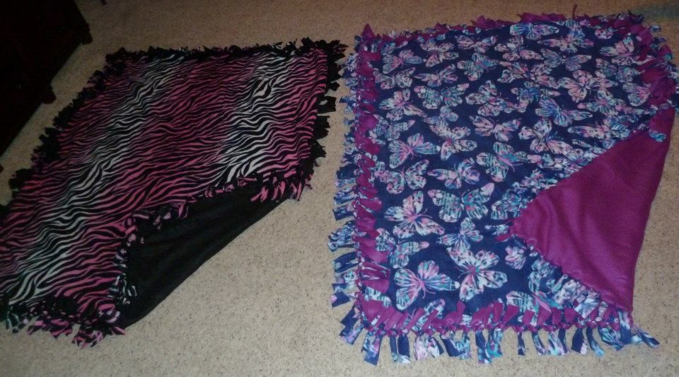 no sew fleece tie blankets team things