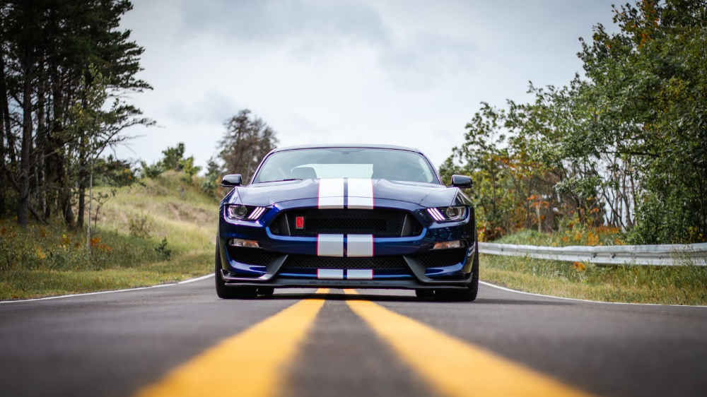 Your Brawny Ford Mustang Shelby GT350R Wallpaper Is Here