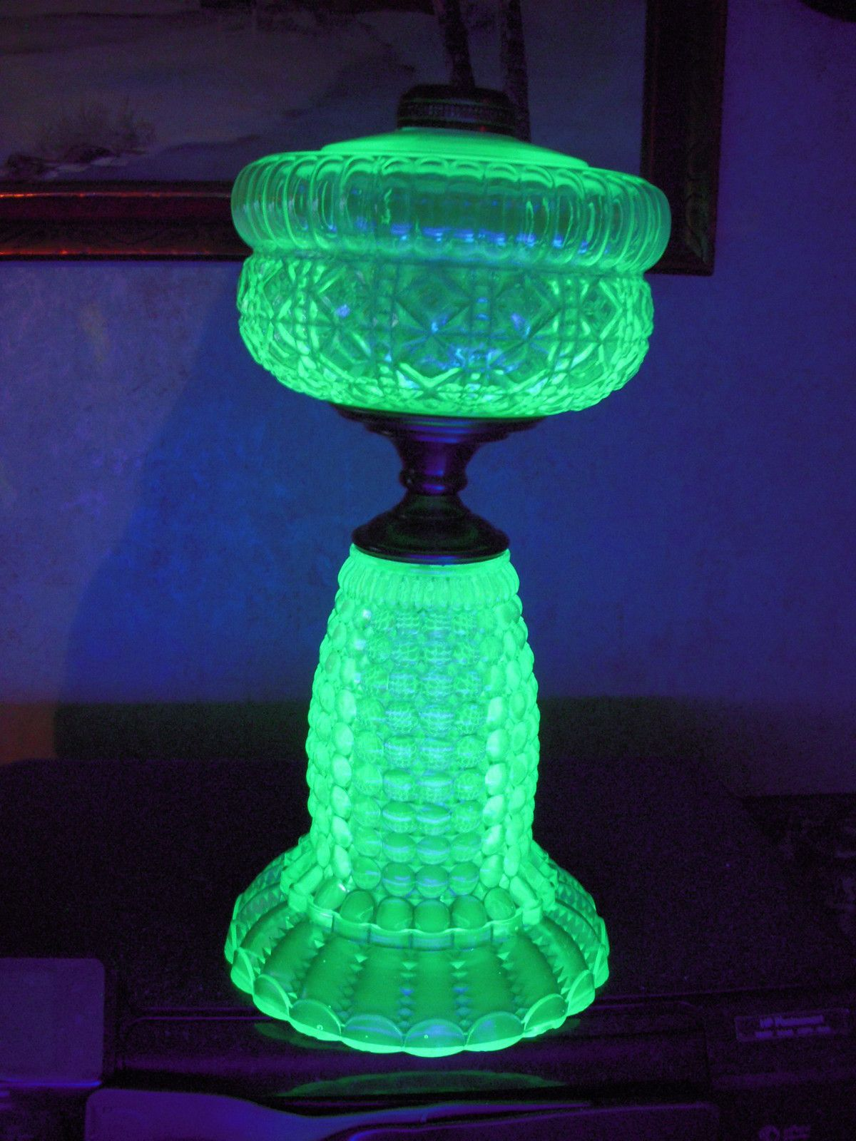 Hugh 1890s antique thousand eye variant apple green vaseline glass oil lamp