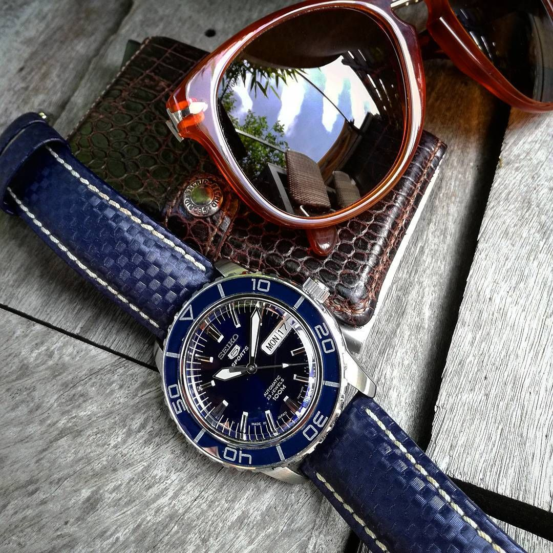 Hirsch CARBON Embossed WaterResistant Leather Watch Strap