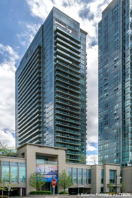 The Skyscraper Center Office Design Moderndesign Ironageoffice Http Www Ironageoffice Com Facade Design Skyscraper High Rise Building
