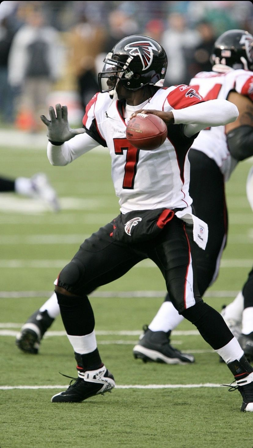 Pin By Jonathan On Baby S Wall In 2020 Michael Vick Atlanta Falcons Football Falcons Football