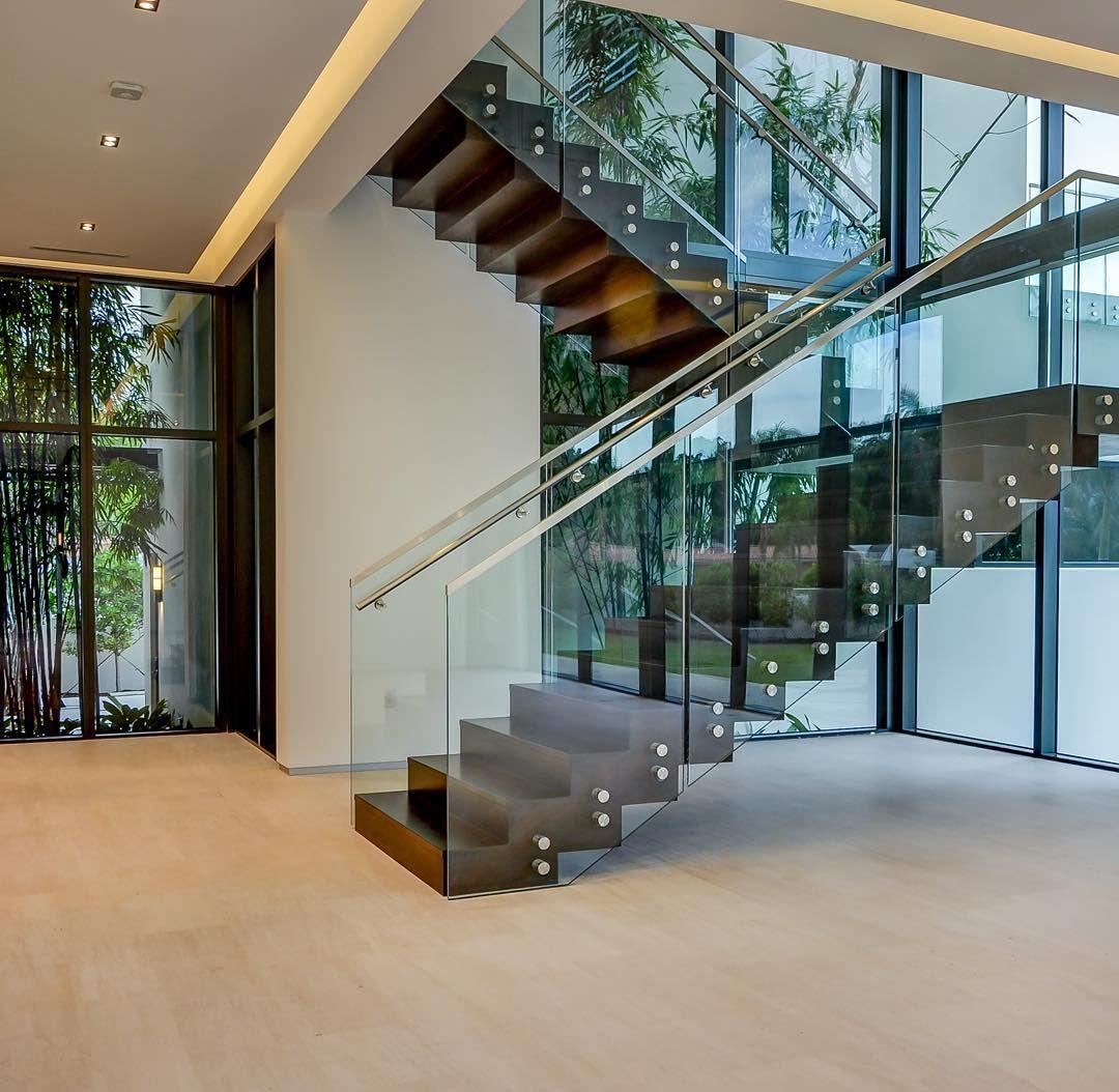 4780 SW 86 Terr.  Coral Gables, Fl.  #luxuryhomes #luxurylifestyle #miami#coralgables#details #miamistyle#
