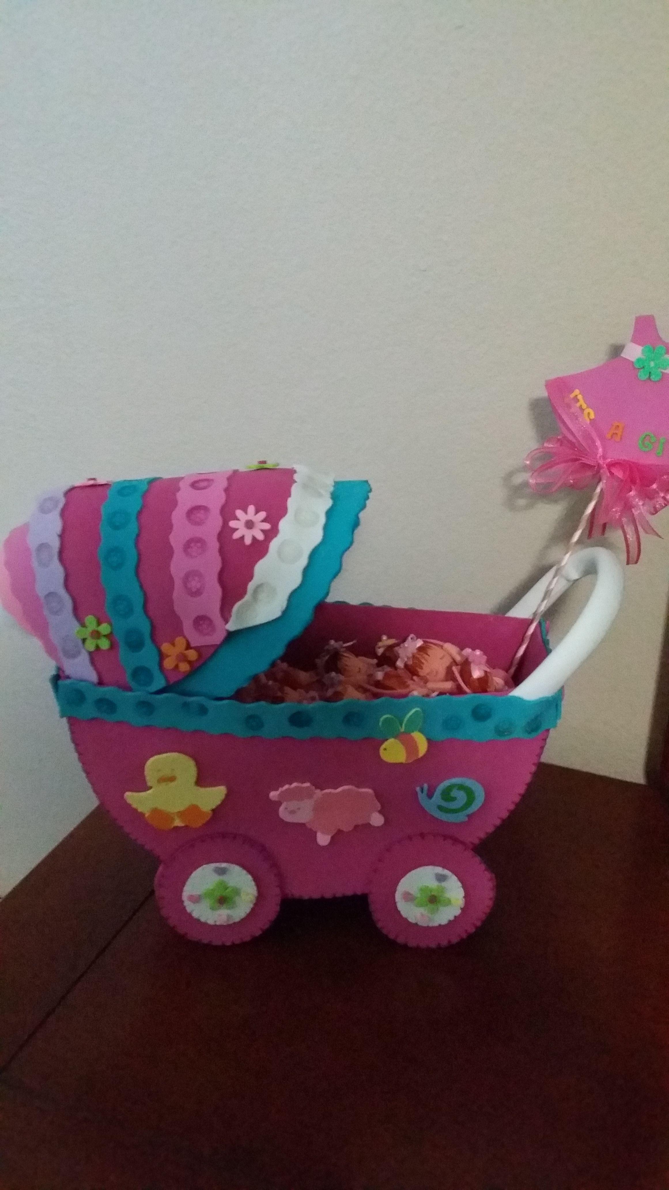 Coche grande para bebes del Baby shower Autor: Maritza Burgos