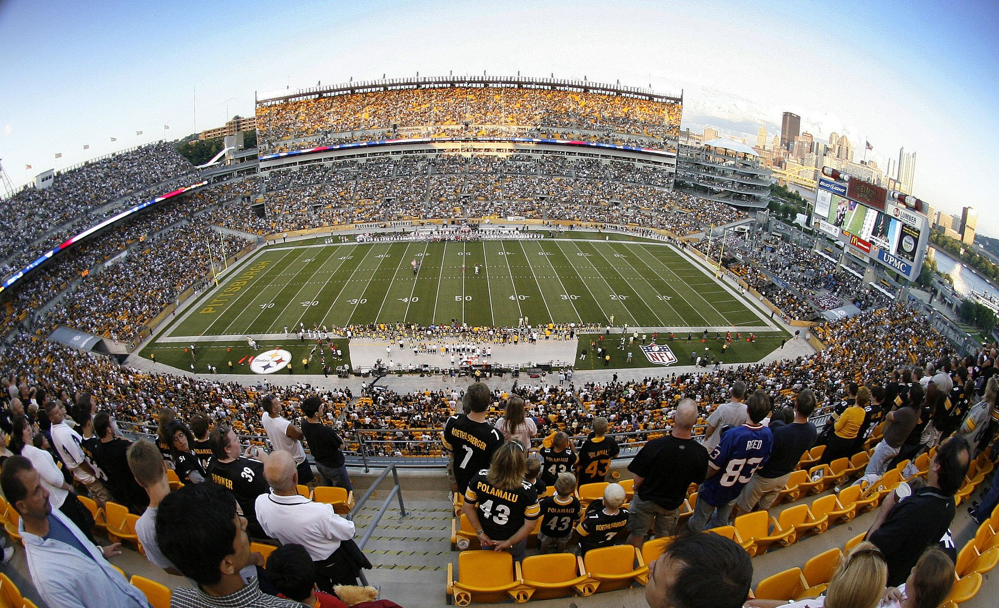 Heinz Field Home To The Pittsburgh Steelers And University Of Pittsburgh Panthers Football Teams Heinz Field Pittsburgh Steelers Wallpaper Steelers Football
