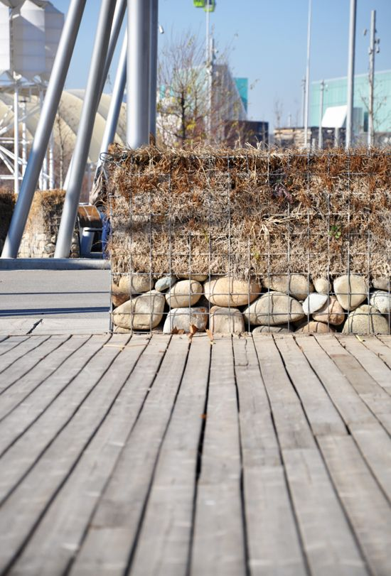 Modern Fences Gabions With Images Modern Fence Backyard