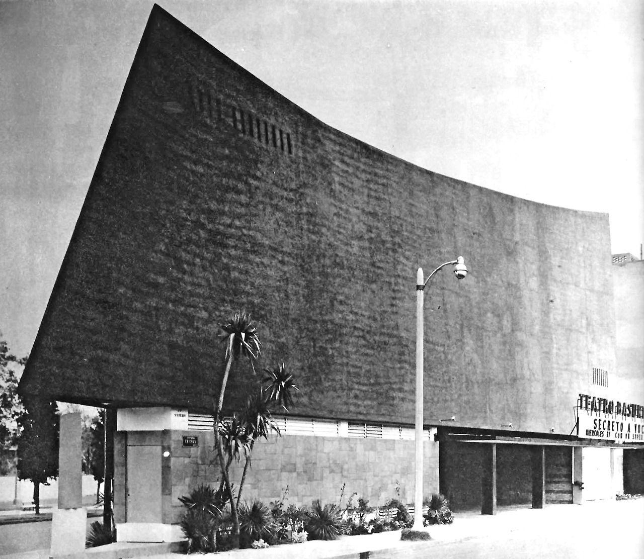 Teatro Basurto, calle Thiers 287 esq. Ejército Nacional, Col. Anzures, México DF 1959   Arq. Nicolás Mariscal Barroso  Foto. Armando Salas Portugal