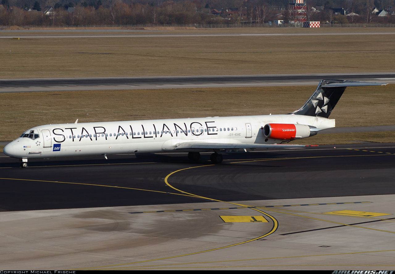 Mcdonnell Douglas Md 82 Dc 9 82 Aircraft Picture Scandinavian Airlines System Sas Airlines Airlines