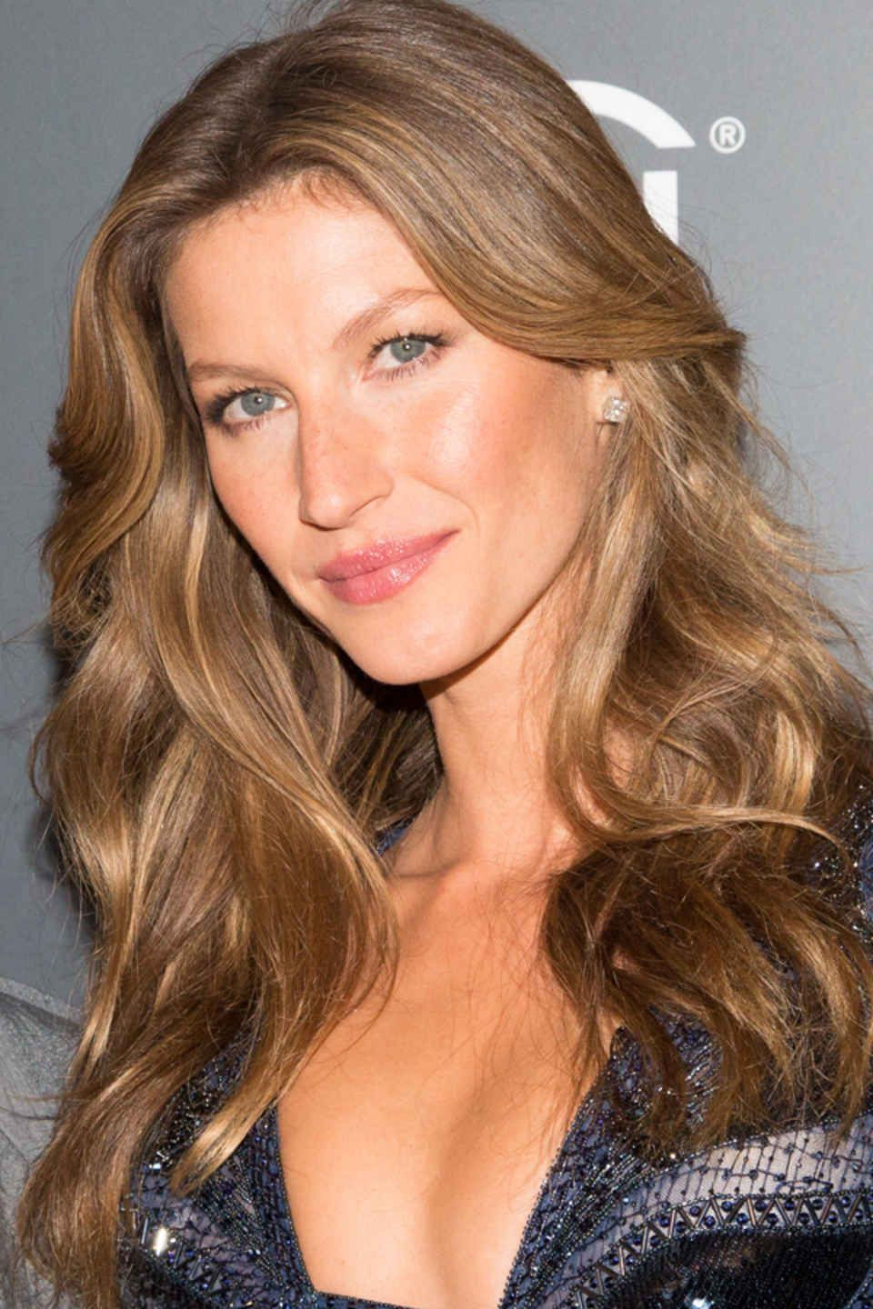 Gisele bündchenus best hair and makeup looks celebrity beauty