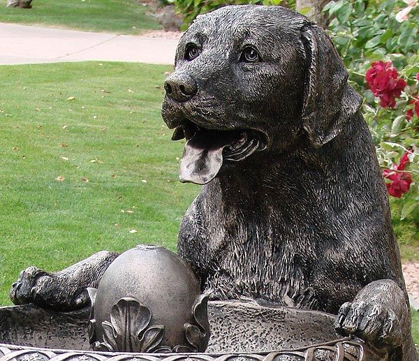labrador retriever garden fountain outdoor decor click for info and price black labs - Labrador Outdoor Christmas Decoration