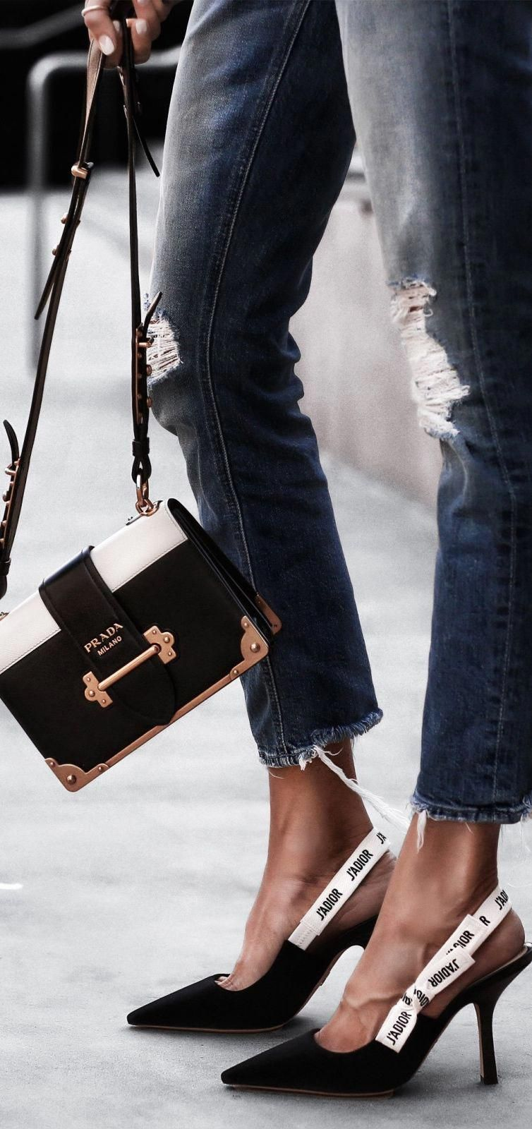 bdbd2758e154 prada handbags ioffer #Pradahandbags | Prada handbags in 2019 | Bags ...