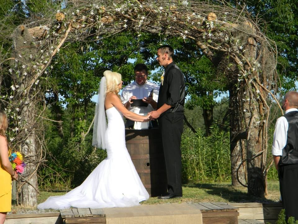 rustic wedding arch with burlap rustic wedding bridesmaids have a great gatsby