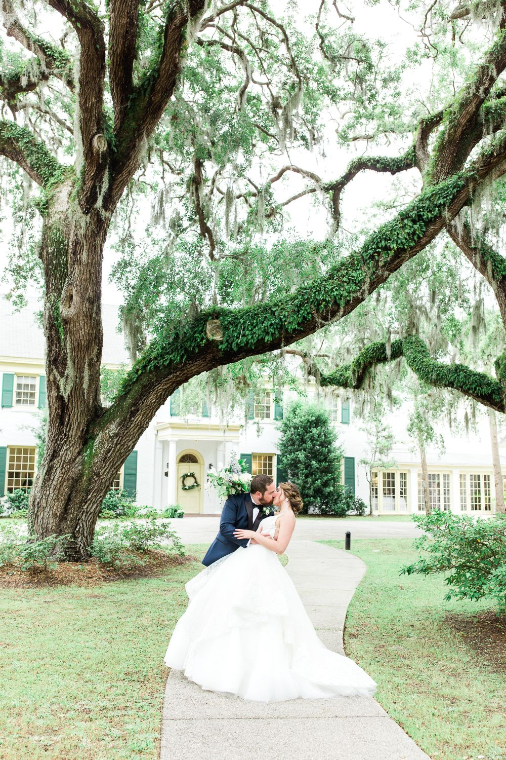 Wedding In The Ribault Club Emily Sam Jacksonville And Amelia Island Wedding Photographer Wedding Photographers Ribault Club Wedding Island Weddings