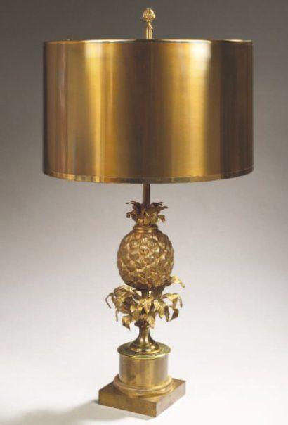 MAISON CHARLES Lampe ananas, structure néoclassique en