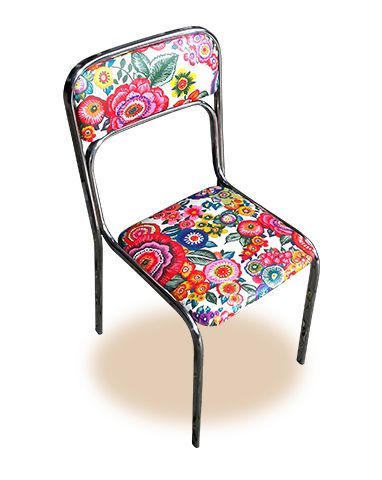 Cuatro sillas metálicas de cocina tapizadas con tela resinada ...