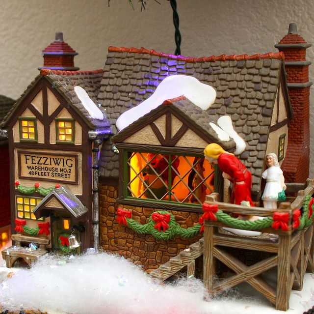 Christmas decorations 2009 - Scrooge Christmas villages, Dickens - christmas town decorations