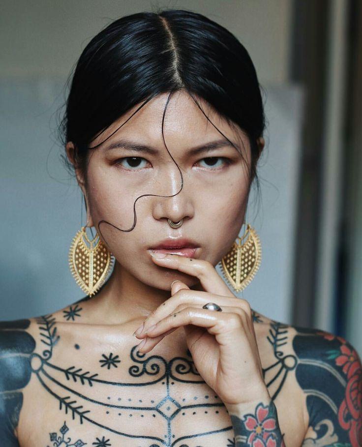 beißer tattoomodels  große tattoos tätowierte models